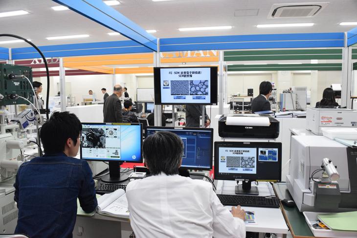 新棟キックオフ式 同時開催/平成28年度研究所研究員による成果発表会
