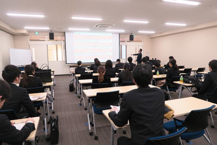 福岡都市圏大学合同「面接対策ワークショップ」② 6大学32名の学生が模擬グループ面接に挑みました!