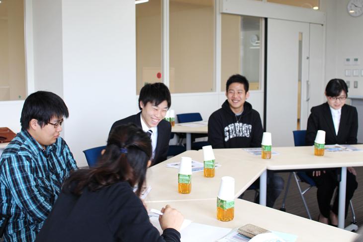 福工大の学生プロジェクトが制作した新宮町観光PR動画 相島への渡船の中で、ただ今上映中。