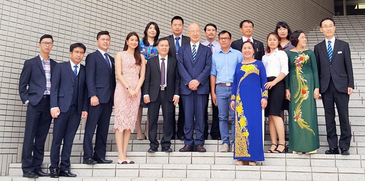 ベトナムの大学関係者による視察団来訪