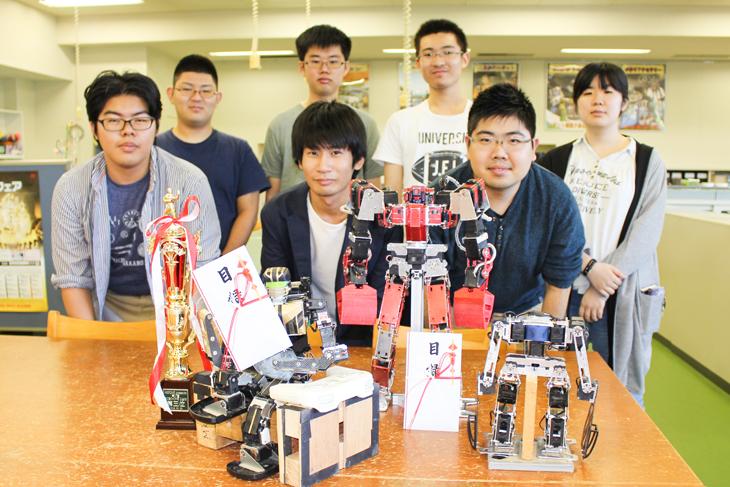 2足歩行ロボットプロジェクトのメンバーが「ROBO-ONE」「ROBO-ONE Light」にて入賞!