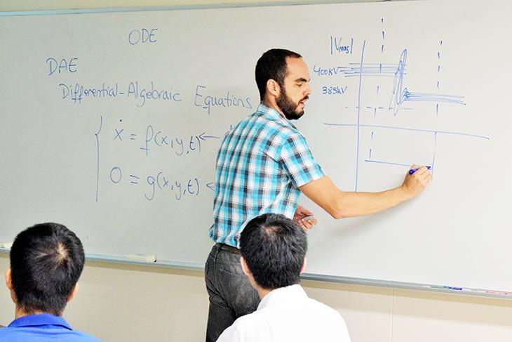 [文科省採択事業] 大学院学生のためのオムニバス講義が開催されました
