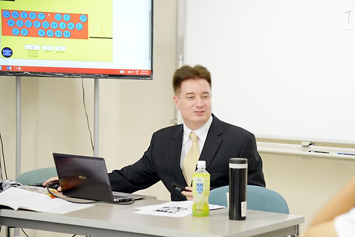 ポール先生の夏期集中講座「English Communication Course」今年も開催しました