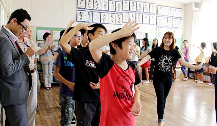 [留学生と地域のコラボ]千早小学校で異文化交流会を開催しました