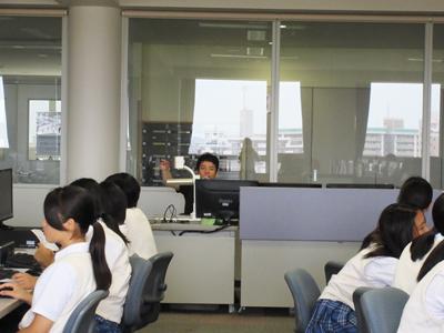博多高校土曜講座「点字の名刺を作ろう」が実施されました
